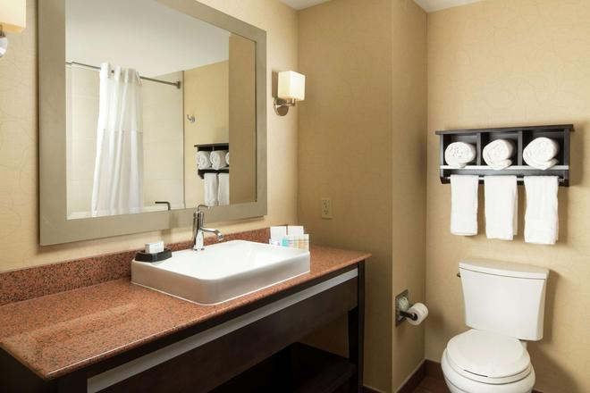 Hampton Inn & Suites Chattanooga/Downtown, TN - Chattanooga - Μπάνιο