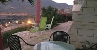 Petra Harmony Bed & Breakfast - Wadi Musa - Patio