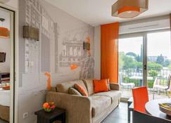 蒙彼利埃千禧拉格朗公寓酒店 - 蒙特佩利爾 - 蒙彼利埃 - 客廳