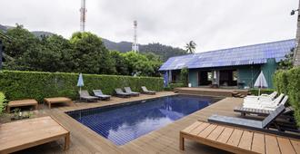 OYO 75340 Klkl Hostel - Ko Chang - Pool