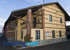 B&B I 3 Gadan - Volpiano - Building