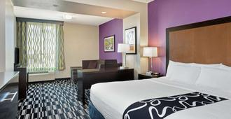 La Quinta Inn & Suites by Wyndham Cedar City - Cedar City - Makuuhuone