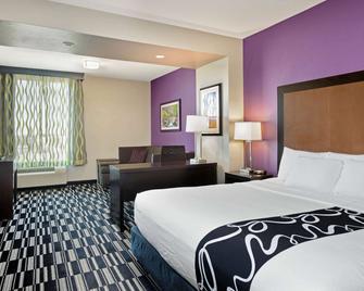 La Quinta Inn & Suites by Wyndham Cedar City - Cedar City - Bedroom
