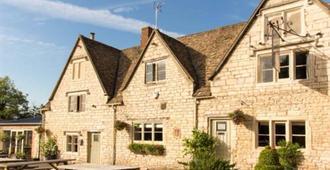 The Bell Inn - Stroud - Κτίριο