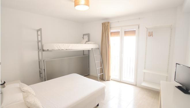 La Milagrosa Bed & Breakfast - Alicante - Bedroom