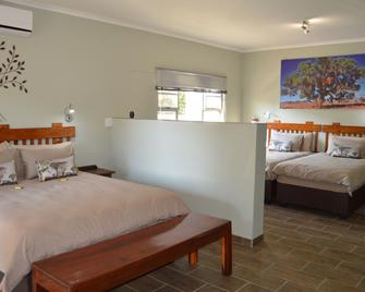 Kamaku Guesthouse - Otjiwarongo - Bedroom