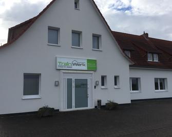Trainwerk - Isernhagen - Building