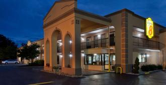 Super 8 by Wyndham Knoxville West/Farragut - Knoxville - Building
