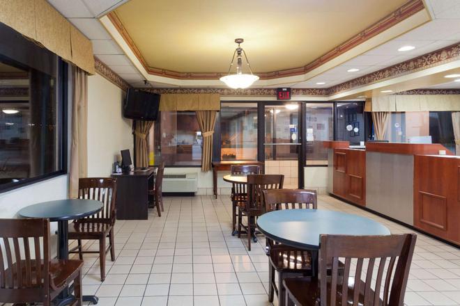 諾克斯維爾/西部速 8 酒店 - 諾克斯維爾 - 諾克斯維爾(田納西州) - 餐廳