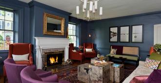 Captain Fairfield Inn - Kennebunkport - Living room