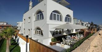 Golden Beach Guesthouse - Faro - Edificio