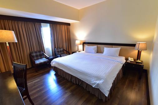 New Season Hotel - Hat Yai - Bedroom