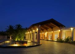 Radisson Blu Resort & Spa Alibaug, India - Alībāg - Building