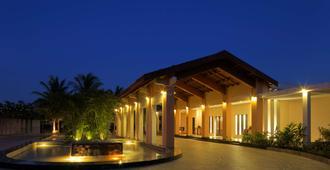 Radisson Blu Resort & Spa Alibaug, India - Alibag - Edificio