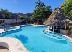 The Colonial at Jaguar Reef - Hopkins - Pool