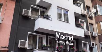 Family Hotel Madrid - סופיה