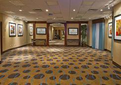 北奧克拉荷馬城奎爾斯利普拉昆塔套房酒店 - 奥克拉荷馬市 - 奧克拉荷馬市 - 大廳