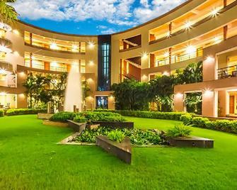 Hotel Malligi - Hosapete - Building