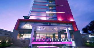 Favehotel - Pantai Losari Makassar - Makassar - Gebäude