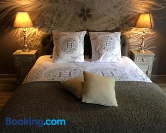 Le Charm'en Gîte - Tournai - Bedroom