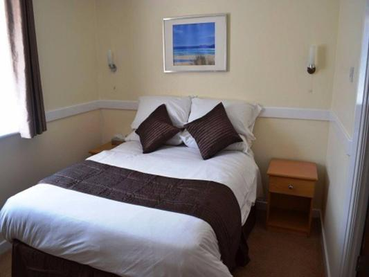 The Rowbarge Hotel and Restaurant - Woking - Bedroom