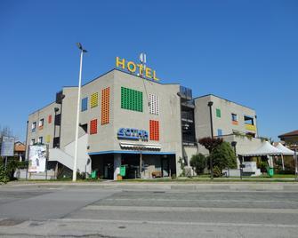 Gotha Hotel - Cirié - Building
