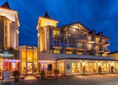 Hotel Kleine Strandburg - Zinnowitz - Building