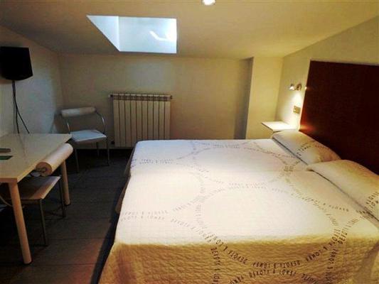 Hostel Soria - Soria - Bedroom