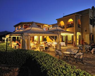 Hotel Genna e Masoni - Cardedu - Patio