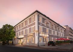 Hotel Bayerischer Hof - Prien am Chiemsee - Edificio