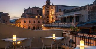Hotel Porta Reale - Noto - Varanda