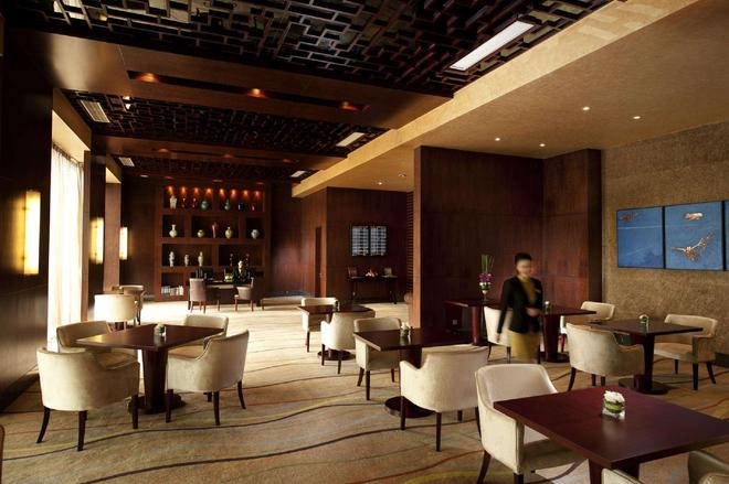 Hilton Beijing Capital Airport - Bắc Kinh - Bar