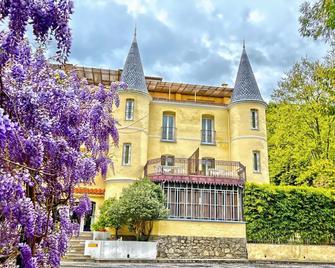 Appart'Hotel Castel Emeraude - Амелі-ле-Бен-Палальда - Будівля