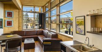 The Lark Bozeman - Bozeman - Living room