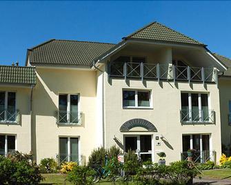 Pension Hus Sünnenkringel - Zingst - Building
