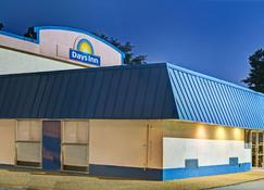 Days Inn by Wyndham Elizabeth City - Elizabeth City - Building