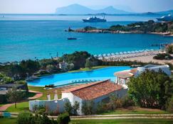 Hotel Romazzino, a Luxury Collection Hotel, Costa Smeralda - Porto Cervo - Zwembad