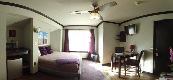 Whispering Pines Bed & Breakfast - Norman - Makuuhuone