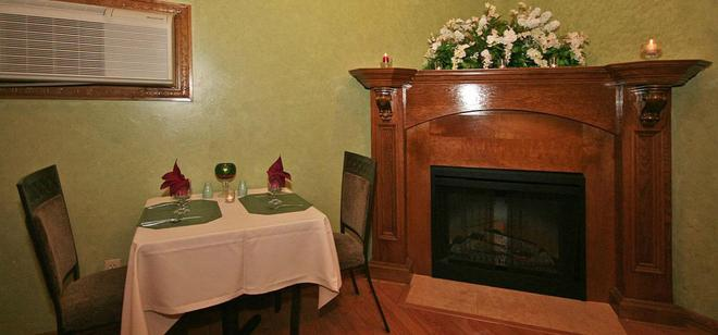 Whispering Pines Bed & Breakfast - Norman - Ruokailuhuone