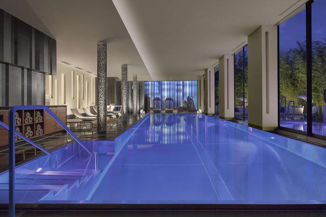 Royal Savoy Lausanne - Lausanne - Pool