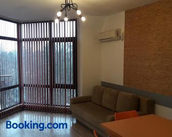 Apartments in Relax Complex Fantasy - Hissarya - Wohnzimmer