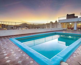 Hotel San Jorge - Saltillo - Piscina