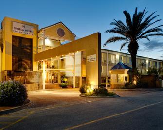 Protea Hotel by Marriott Knysna Quays - Knysna - Gebäude