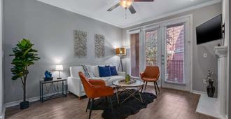 Cozysuites Stylish 1BR Apartment at Cityplace - Dallas - Sala de estar