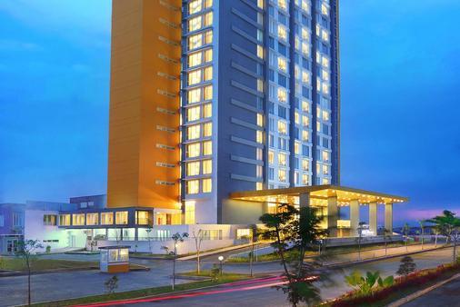 Aston Banua - Hotel & Convention Center - Banjarmasin - Κτίριο