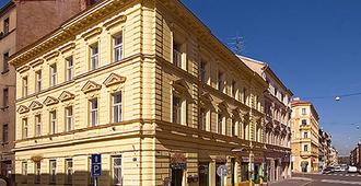 Apartment Amandment - Prague - Building