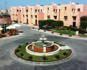 Seashell Julaia Hotel and Resort - Fahaheel - Outdoor view