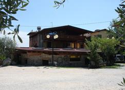 Albergo La Pergola - Moniga del Garda - Building