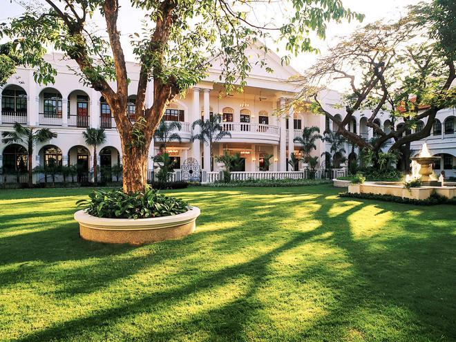 Hotel Majapahit Surabaya - Managed by AccorHotels - Surabaya - Toà nhà