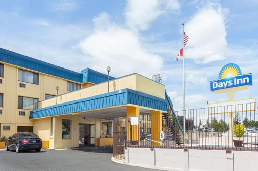 Days Inn by Wyndham, Bellingham - Bellingham - Rakennus